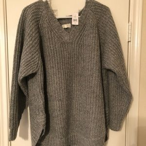 Oversized cozy gray sweater!